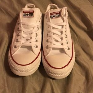 Size 9 Women's 7 men's converse